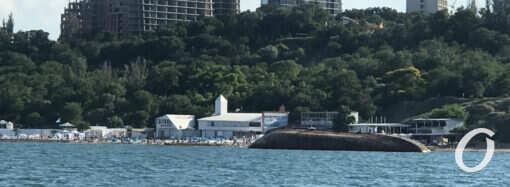Что произошло в Одессе 2 июля: расчистка пляжей от водорослей и новая дата подъема танкера Delfi