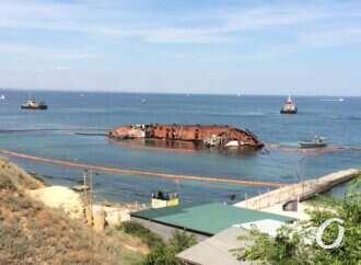 """По следам Delfi: водолазы проверят акваторию одесского пляжа """"Дельфин"""""""