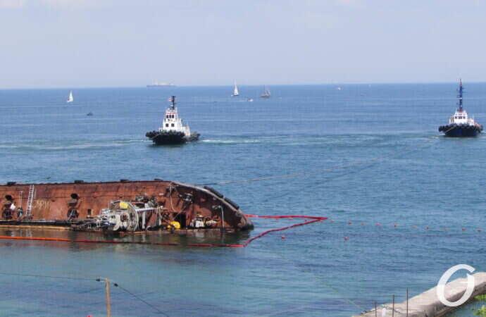 Вытек с танкера Delfi: коротко о главных новостях 24 июля