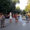 Вроде как на карантине: что происходит на вечерней Дерибасовской в Одессе (фото)