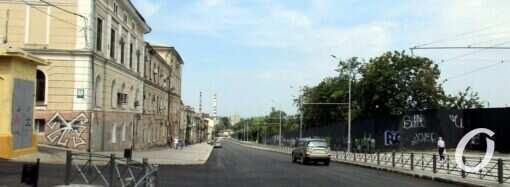 Спуск Маринеско в Одессе еще «закрыт», но транспорт уже ездит (фото)