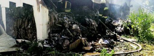 В Одесі сталася пожежа на складі паперових матеріалів (відео)