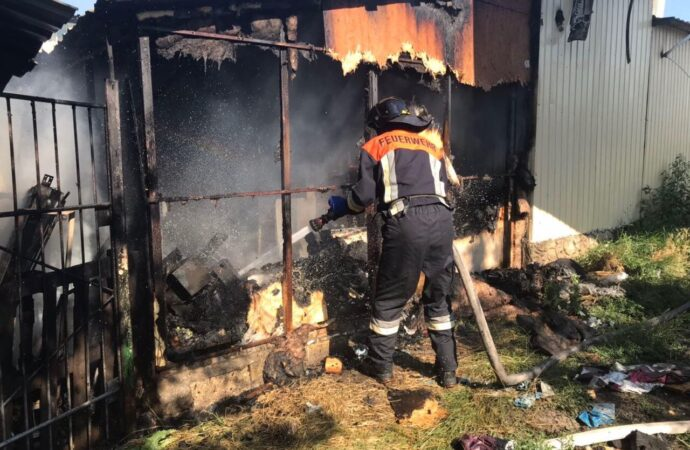 На выезде из Одессы сгорела шашлычная (фото)