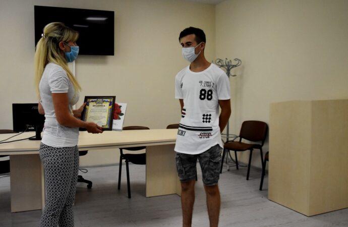 В Одеській області нагородили 15-річного хлопця за порятунок потопаючого чоловіка