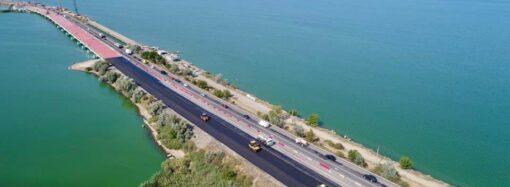 Мост через Хаджибей могут полностью открыть в апреле 2021 года