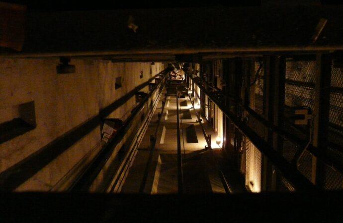 В Одесі обірвалася кабіна ліфта, у якій знаходився підліток