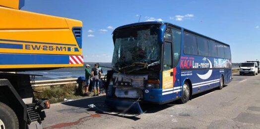 Нелегалы в швейном цеху и ДТП с автобусами: чрезвычайные новости Одессы и области 13 августа