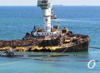 Подъем Delfi и судно на берегах Затоки: коротко о вчерашних одесских новостях