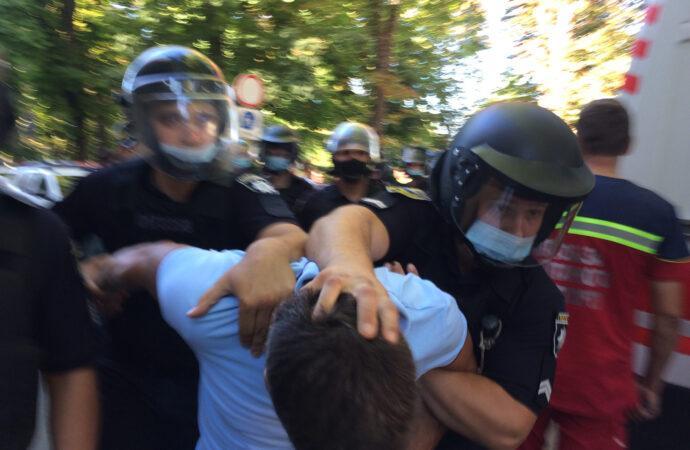 ЛГБТ прайд в Одесі: 12 учасників сутичок притягнули до відповідальності