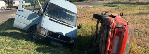 Намагався обігнати: на трасі Одеса-Рені у ДТП постраждали двоє людей (фото)