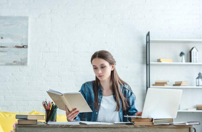Старшеклассники, выпускники, студенты: какие профессии выбирает молодежь?