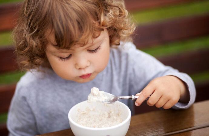 Ребенок-левша: что нужно знать о маленьких фантазерах?