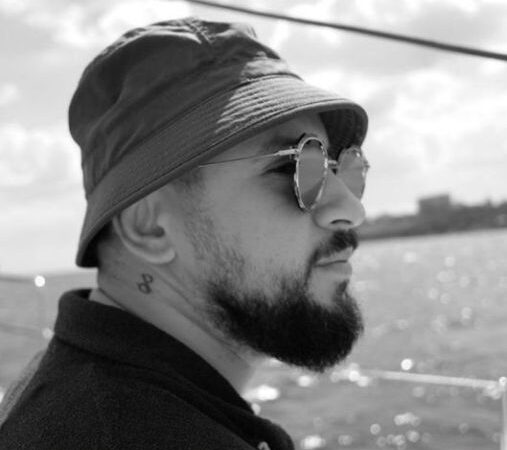 Мonatik прокатился на яхте в Одессе (фото)