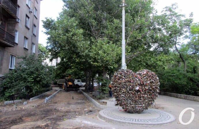 Рядом с Уголком старой Одессы идет ремонт (фото)