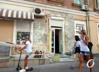 Возрождение вывесок из прошлого: еще один Уголок старой Одессы?