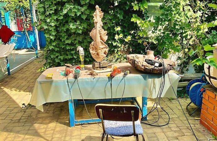 Скульптор готовит подарок городу и собирается восстановить героя «Одесского времени»