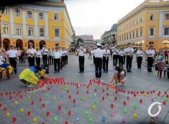 Зажигали лампады и свечи: на Приморском бульваре прошел митинг-реквием памяти погибших за независимость Украины