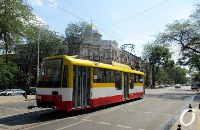 Одесситку сбил трамвай на Котовского