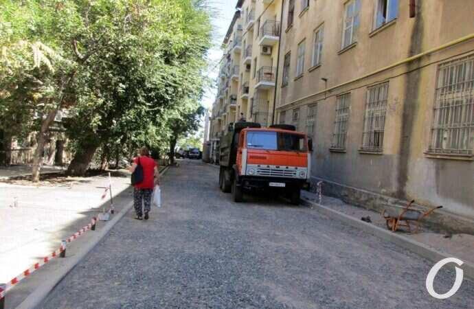 Ремонт одесского переулка Короленко: как это происходит?