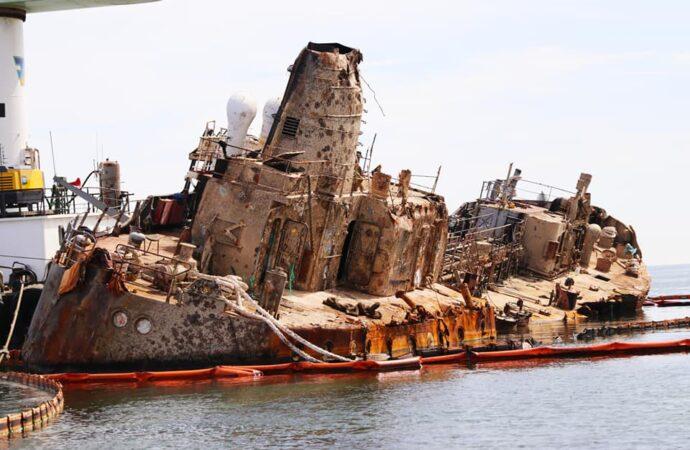 З танкера Delfi стався масовий витік нафтопродуктів: екологи незадоволені