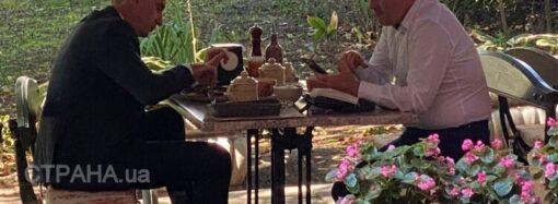 Главный санврач Ляшко и нардеп Радуцкий сходили без масок в одесский ресторан (фото)