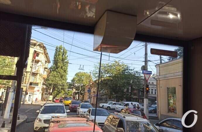 В Одессе возник транспортный коллапс на Канатной (фото)