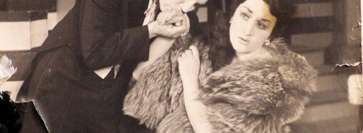Королева сцены: одесская Музкомедия представила под открытым небом гримерную Евгении Дембской