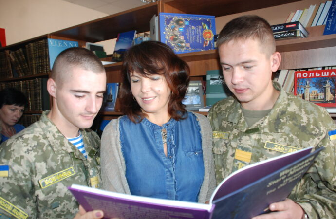 День библиотек: кто, почему и зачем ходит в библиотеки Одессы?