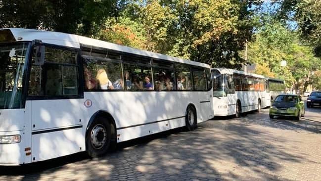 В Одессе с поселка Котовского начали ходить автобусы большой вместимости: куда можно поехать
