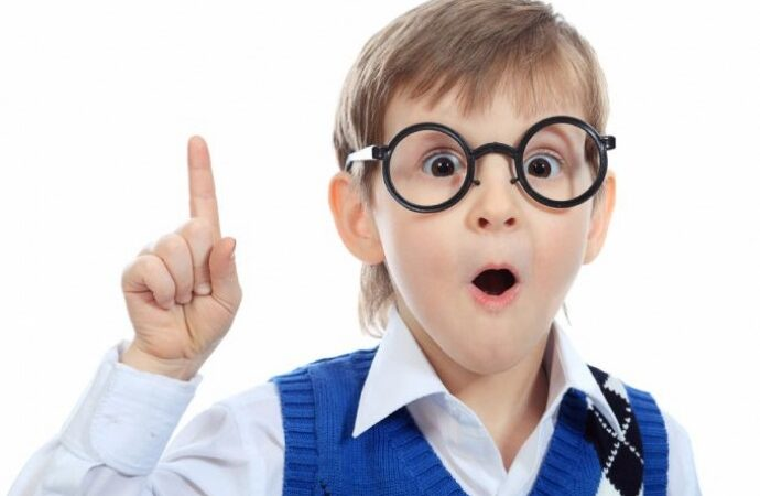 Как вовремя распознать нарушение зрения у детей?
