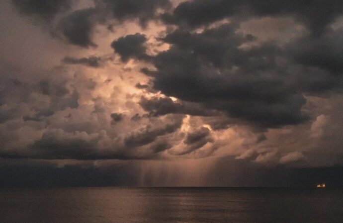 Погода в Одессе 24 июня: синоптики снова «пророчат» грозу