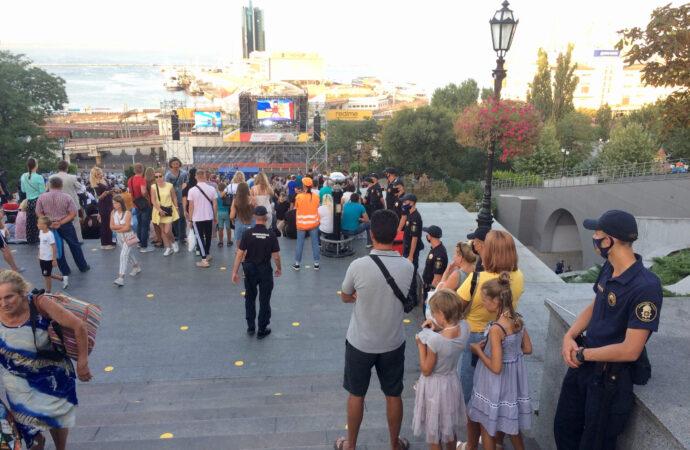 Одесса празднует День города: на Потемкинской лестнице стартовал грандиозный гала-концерт (видео)