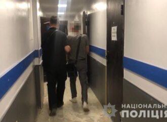 В Одесі іноземець обікрав продавця закладу харчування (відео)