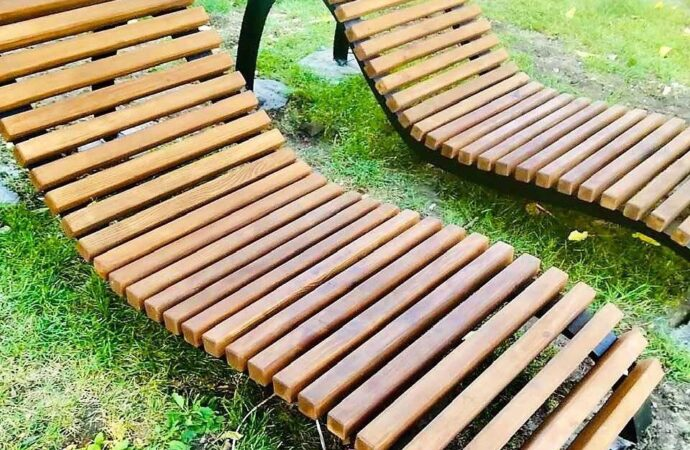 Подарок городу: в одесском парке им. Т.Г.Шевченко появились два новых парковых кресла