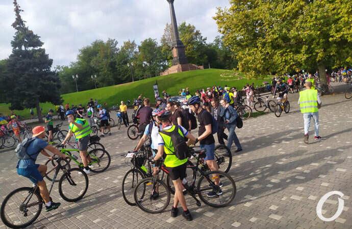 Традиция с задержкой: в Одессе 26 сентября проходит очередная Велосотка (фоторепортаж)