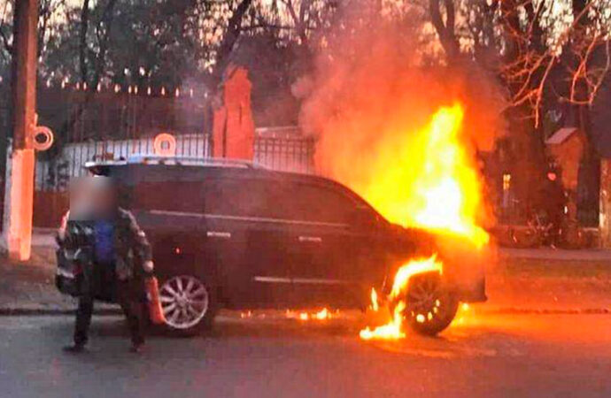 Пожарный-«гастролер» сжег в Одессе 3 элитных авто