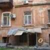 Дом на Ольгиевской в Одессе становится опасным – «все время что-то рушится» (фото)