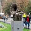 «Слушай сюда»: в одесском Горсаду открыли звучащий памятник (фото)