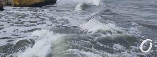 Штормовое предупреждение: в Одессе ожидаются сильный ветер и дождь