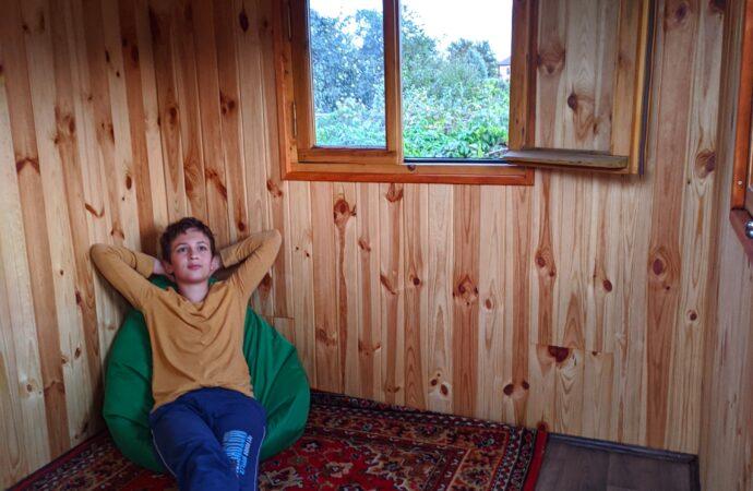 Говорит по-английски и осваивает программирование: домашнее обучение на примере юного одессита