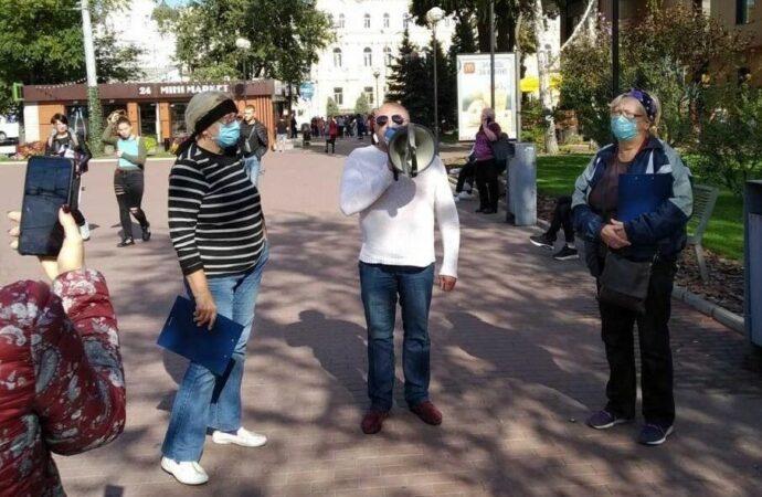 Против Кивалова собрали три тысячи подписей