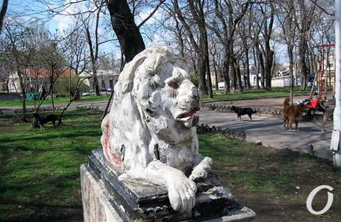 Старому одесскому скверу вернут львов и капитально отремонтируют (фото)