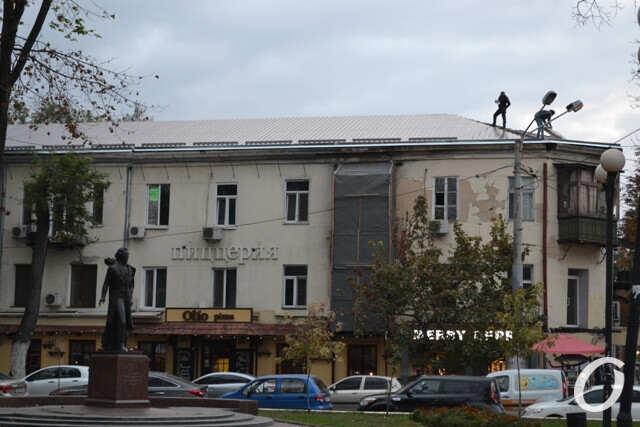 Власти Одессы пообещали отремонтировать парадные горевшего дома на Бунина