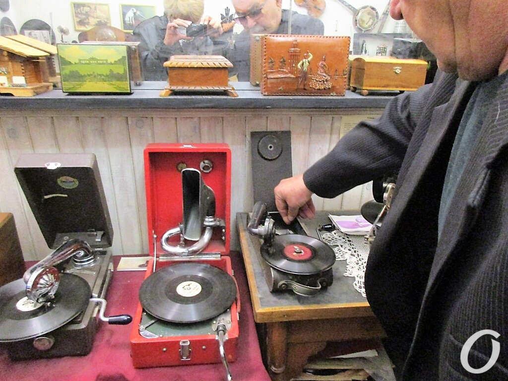 экспонаты музея звука