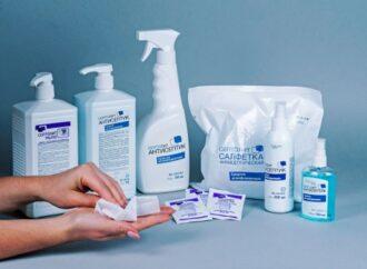 Насколько безопасны дезинфицирующие средства: как антисептики влияют на кожу рук?