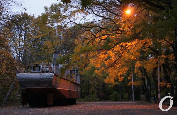 Одесса в ноябре: прогулка по мемориалу 411 батареи (фоторепортаж)