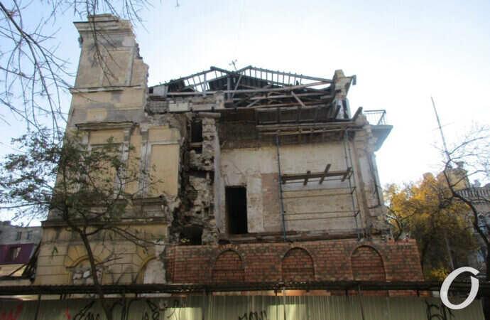 В Одессе восстанавливают старый дом – «родоначальник» карантинных обрушений (фото)