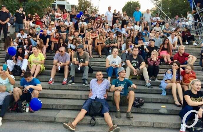 Приморский суд закрыл дело о нарушении карантина во время гуляний на День города в Одессе