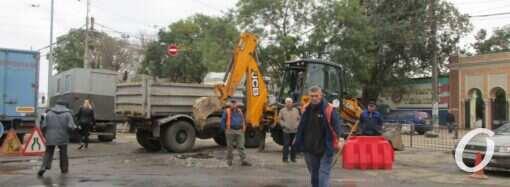 Инфоксводоканал обещает оперативно устранить аварию около Привоза