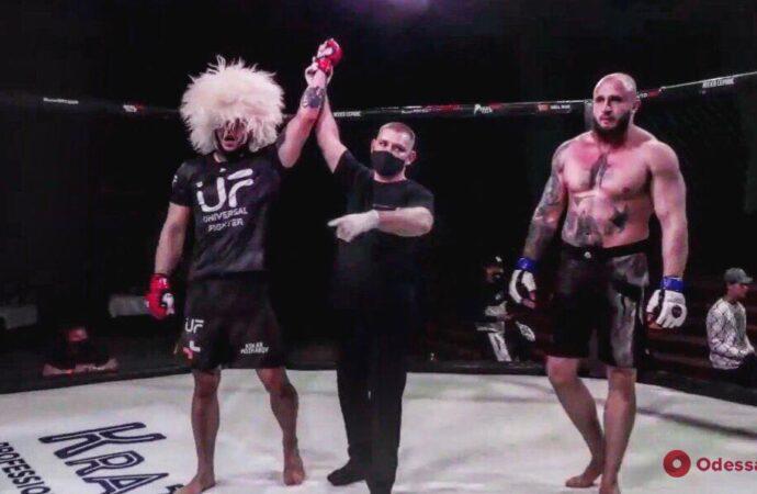 Боец ММА из Одессы стал чемпионом всего за полминуты (видео)